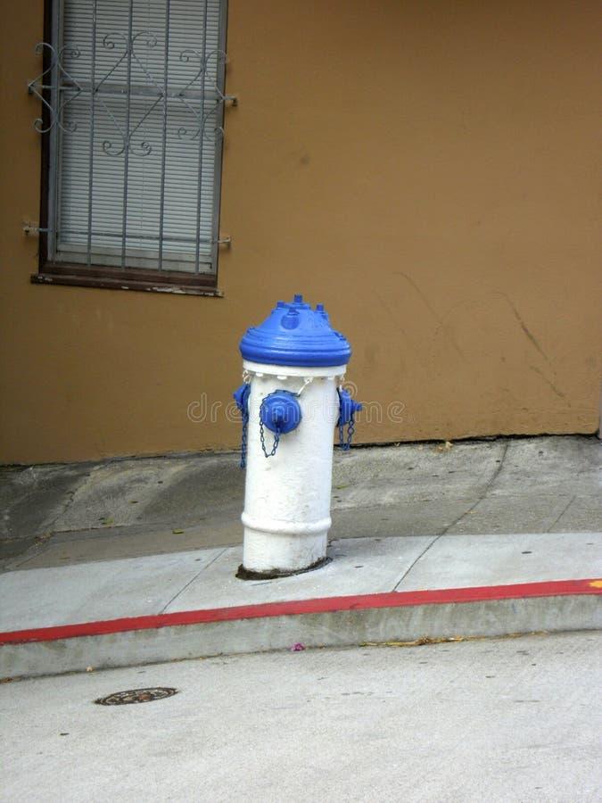 Extintor de la calle imagen de archivo