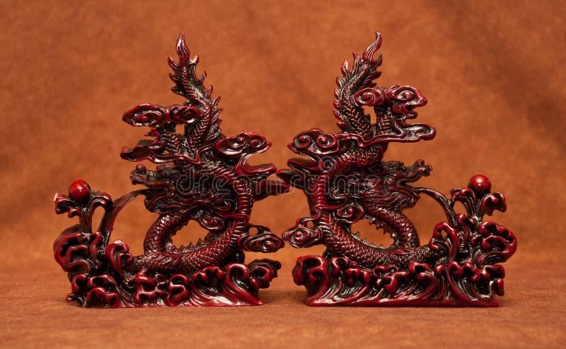 Extrémités de livre de statue de dragon d'imagination photo libre de droits