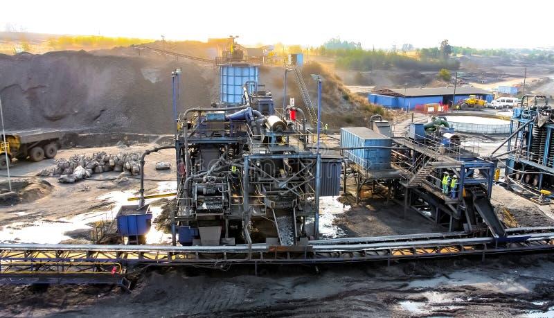 Extração de carvão e equipamento de fábrica de tratamento imagem de stock