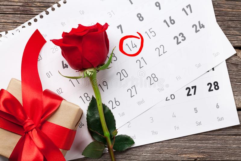 8 extra ai som kontroll för hälsning för mapp för eps för bakgrundskortdag nu över vita oavgjorda sparade valentiner royaltyfri foto