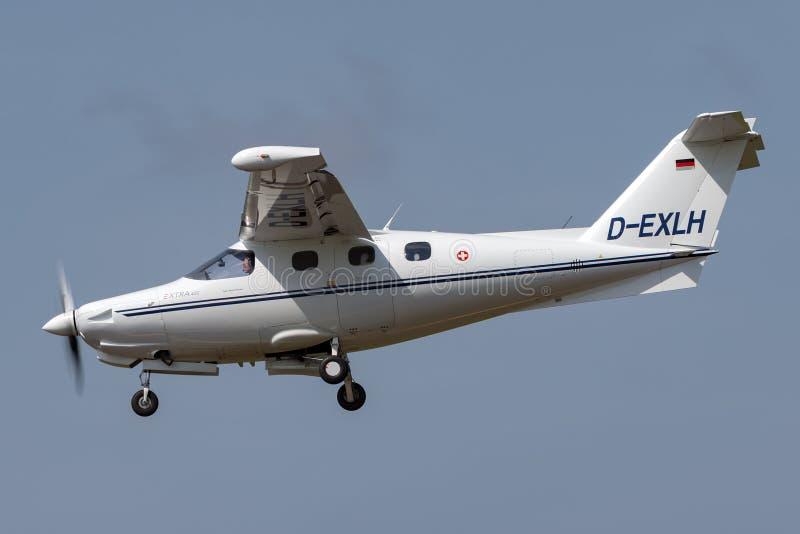 Extra ea-400 lichte vliegtuigen D-EXLH van de hoge prestaties enige motor stock fotografie