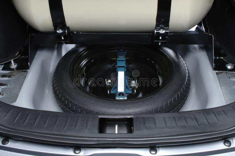 Extra- rulla in bilstammen royaltyfri fotografi