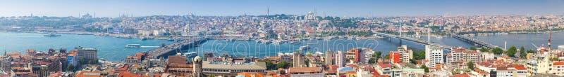 Extra wijd panoramische foto van Istanboel stock foto