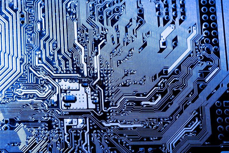 Extracto, cierre para arriba en los circuitos electrónicos, vemos la tecnología del mainboard, que es el fondo importante del com imagenes de archivo