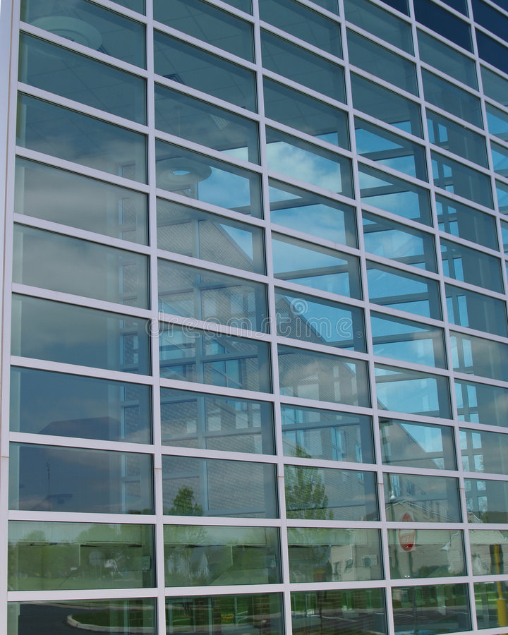 extracto de cristal moderno del edificio imagenes de archivo