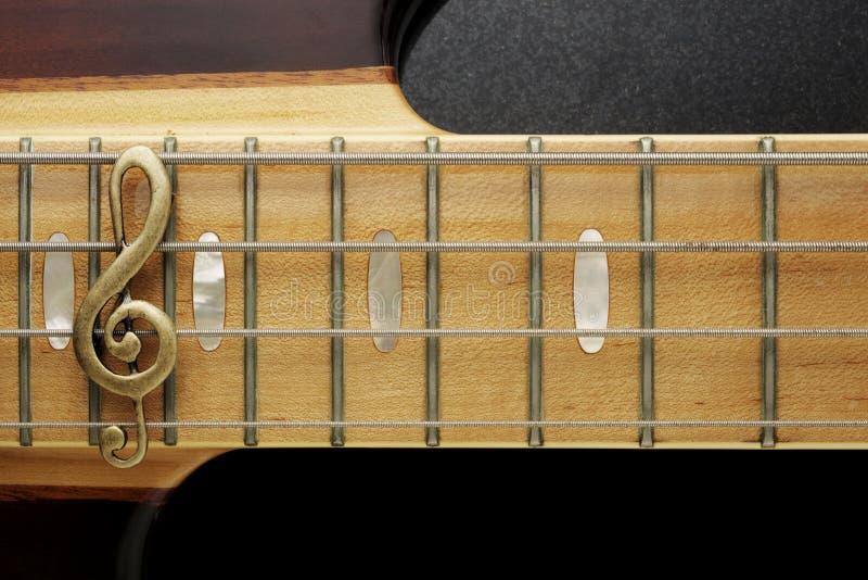 Extracto de la guitarra baja imagen de archivo libre de regalías