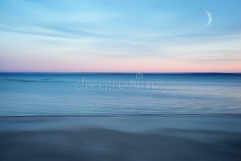Extracto de la oscuridad del mar fotografía de archivo