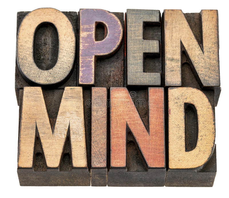 Extracto de la palabra de la mente abierta en tipo de madera del vintage fotos de archivo
