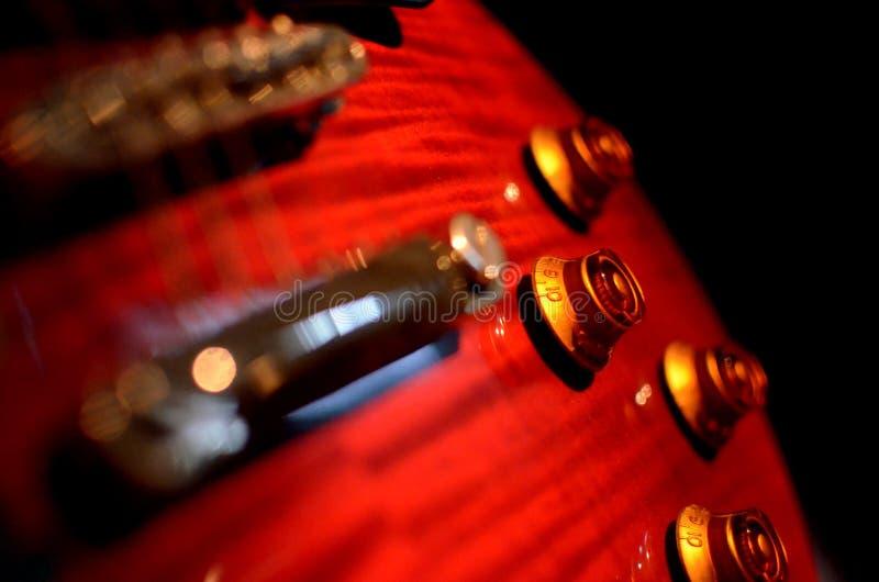 Extracto macro de la guitarra eléctrica, enfoque al volum imagenes de archivo