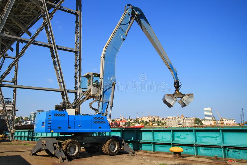 Download Extractor In The Dockyard - Landscape Stock Image - Image: 32873127