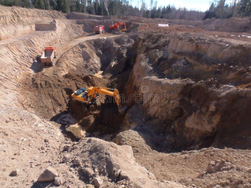 Extraktion von Mineralien 2 lizenzfreie stockbilder