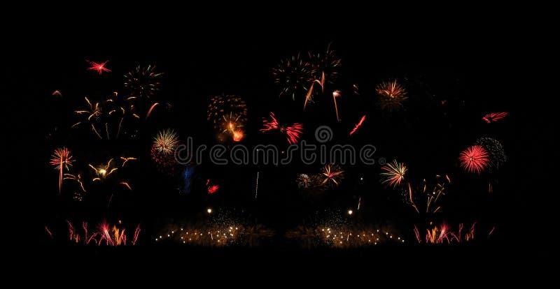 Extravagancia de los fuegos artificiales foto de archivo libre de regalías