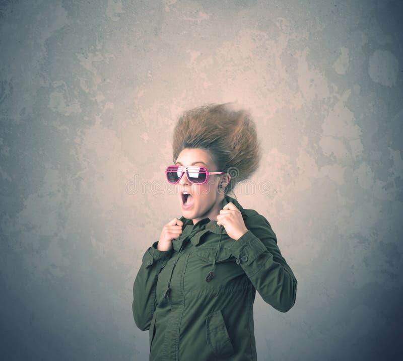 Download Extreem Jong De Vrouwenportret Van De Haarstijl Stock Foto - Afbeelding bestaande uit kaukasisch, klassiek: 54089804