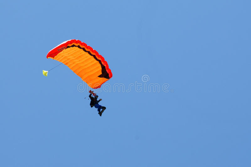 Extreem sports. parachuting. Under a blue sky royalty free stock images