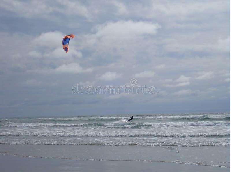 Extrem sommarsport Kiteboarding royaltyfria foton
