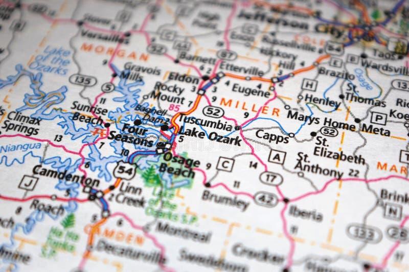 Extreme close-up van Lake Ozark, Missouri op een kaart royalty-vrije stock foto's