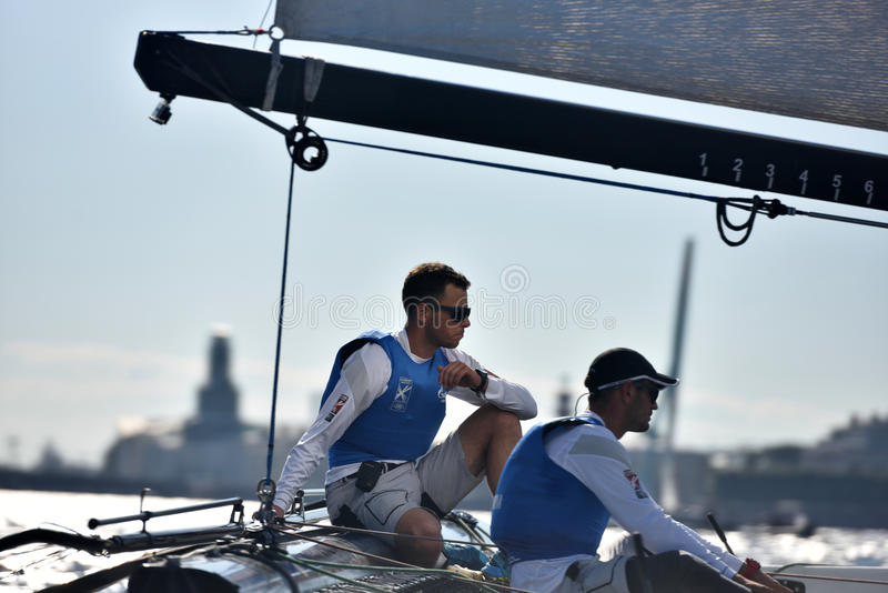 Extreme segelnde Reihe in St Petersburg, Russland stockbild