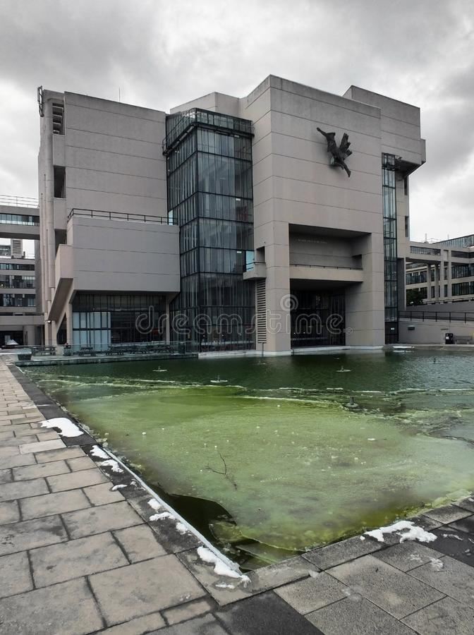 Free Extreme Weather Causing The Pond To Freeze In Front Of The 1960s Brutalist Roger Stevens Building In Leeds University Stock Images - 111337284