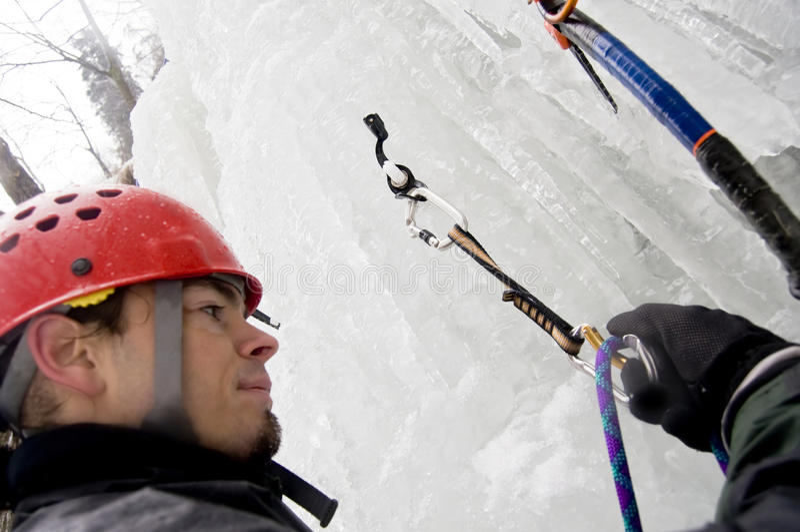 Extremer Bergsteiger stockbilder