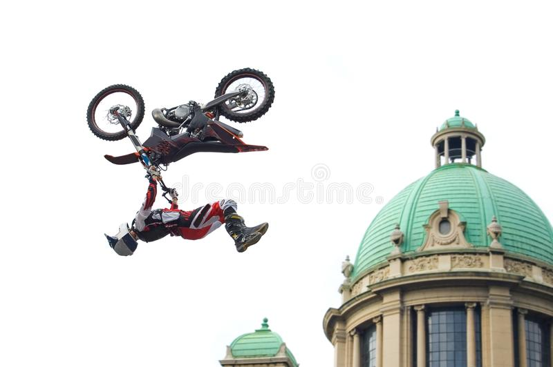Extremer Motocross-Überbrücker lizenzfreie stockbilder