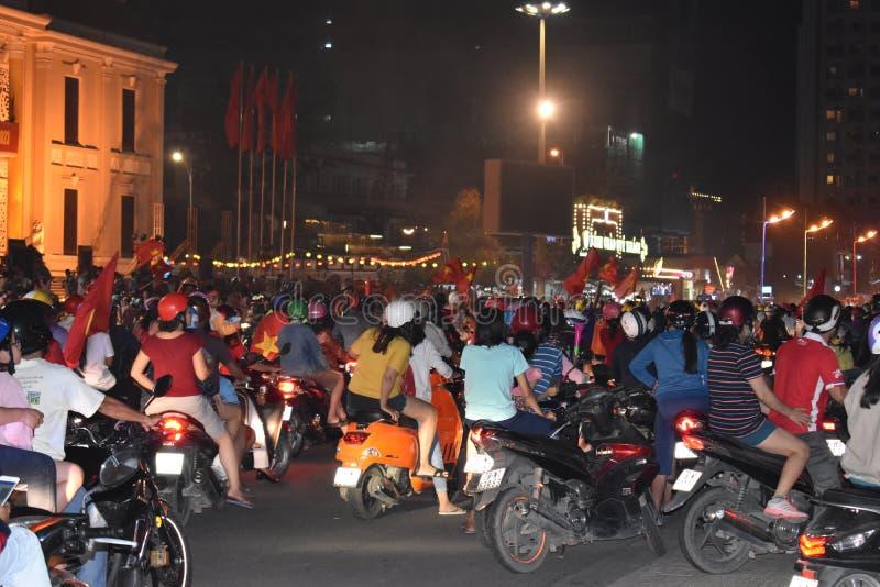 Extremer Verkehr mit vielen Mopeds in Nha Trang, Vietnam, Asien stockbilder