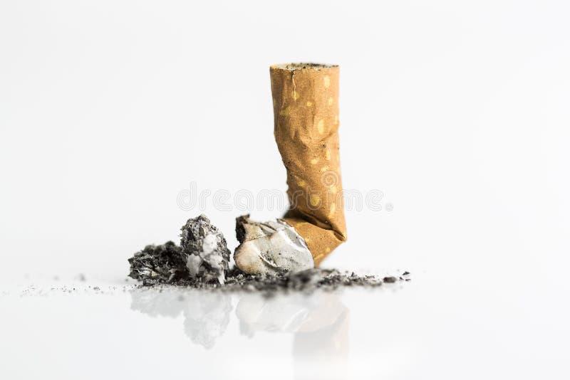 Extremo de cigarrillo, cierre para arriba imagen de archivo