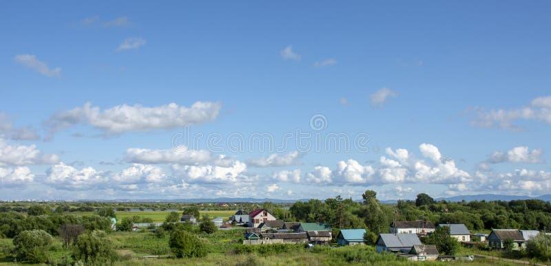 Extremo Oriente los alrededores pintorescos de la ciudad de Jabárovsk fotos de archivo
