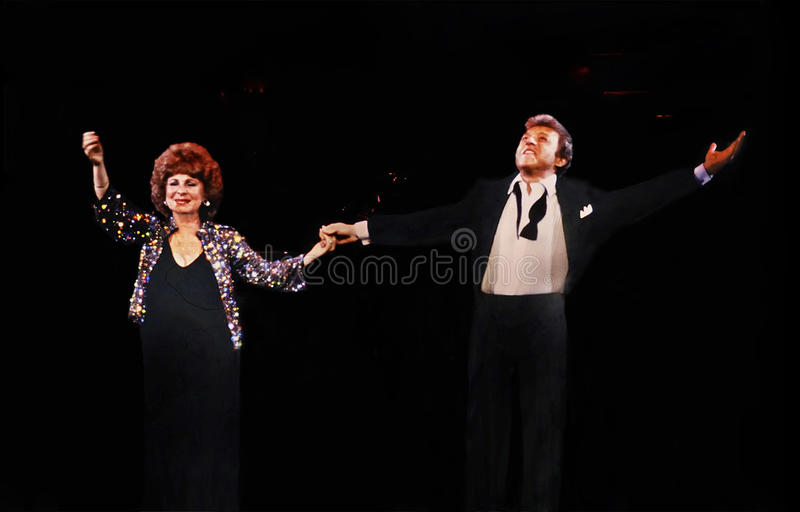 Download Eydie Gorme And Steve Lawrence Editorial Photography - Image: 32887442