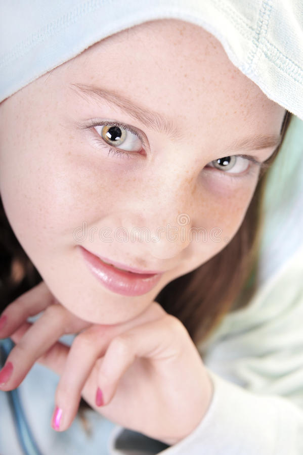eyed κορίτσι hoodie αρκετά στοκ φωτογραφία με δικαίωμα ελεύθερης χρήσης