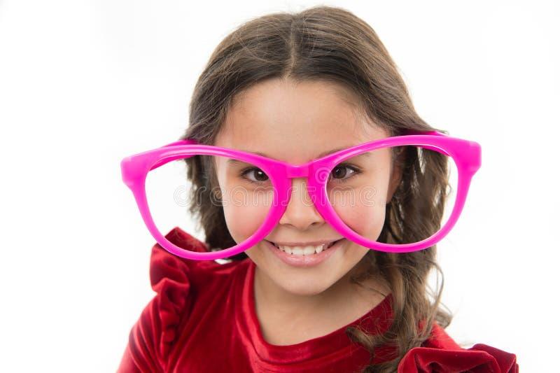 Eyeglasses ένδυσης παιδιών ευτυχές χαριτωμένο εξάρτημα Γοητευτικό απομονωμένο χαμόγελο άσπρο υπόβαθρο παιδιών Μεγάλα αστεία eyegl στοκ εικόνα
