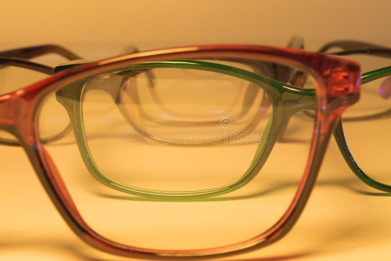 Eyeglasses κινηματογράφηση σε πρώτο πλάνο σε ένα άσπρο υπόβαθρο στοκ φωτογραφίες