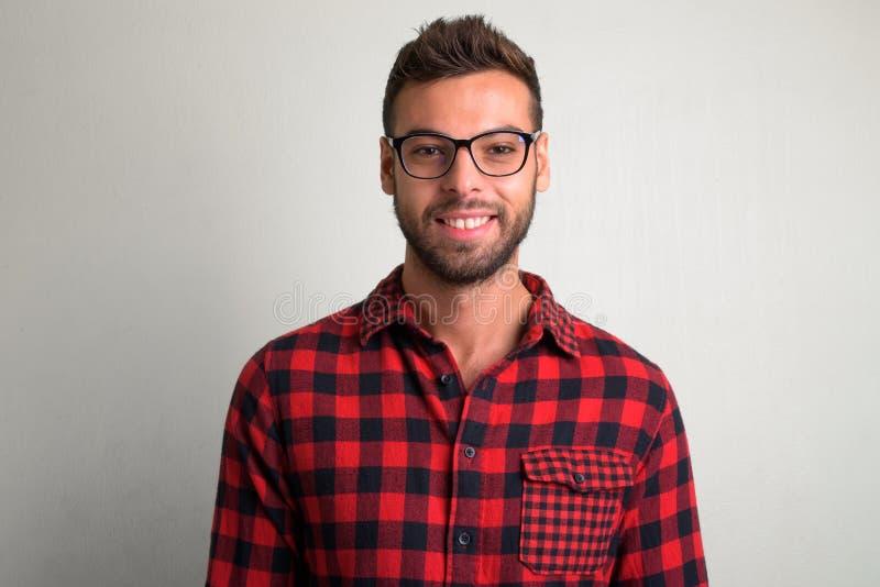Eyeglasses молодого красивого бородатого человека битника нося стоковые фотографии rf