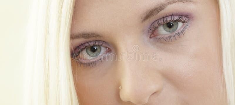 eyes kvinnan fotografering för bildbyråer