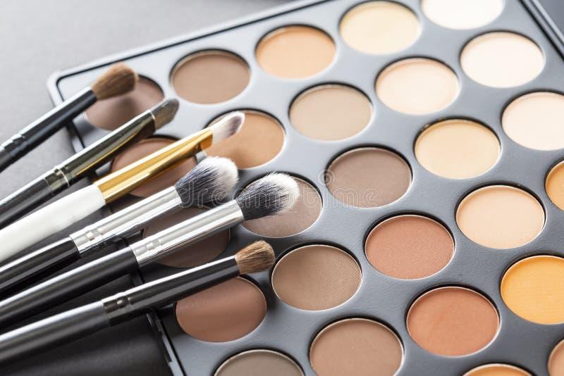 Eyeshadow powieka i paleta uzupełniamy muśnięcie kolekcję obrazy stock