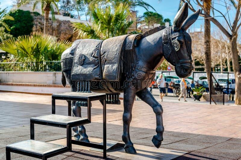 Ezelsstandbeeld Symbool van Mijas dorp stock foto