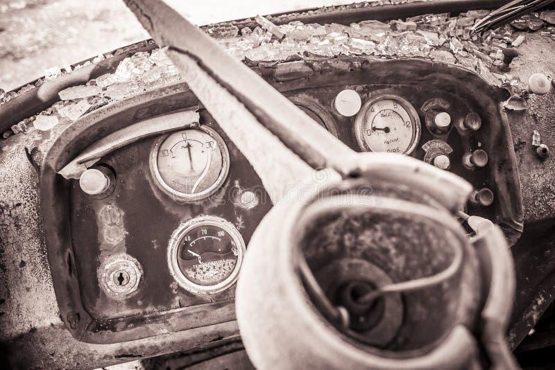 Fábrica abandonada odómetro foto de archivo