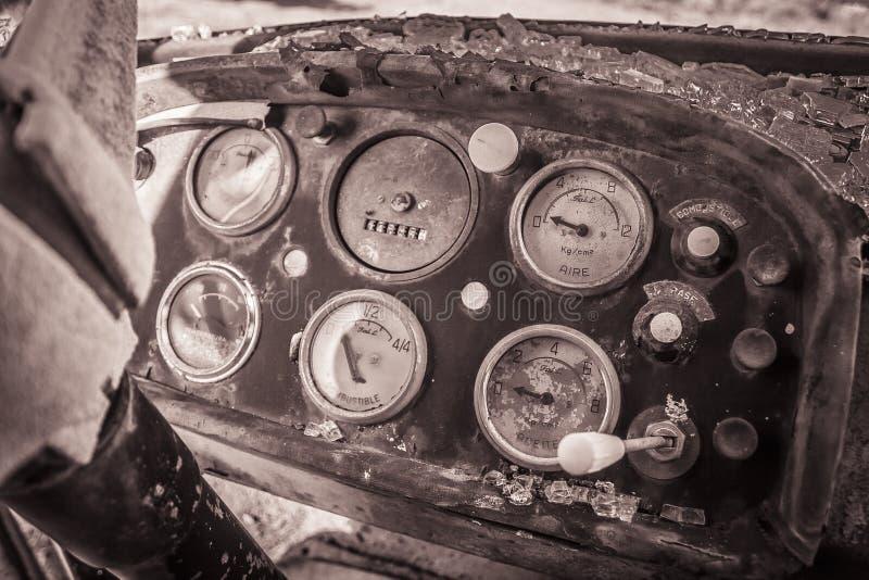 Fábrica abandonada odómetro fotografía de archivo libre de regalías