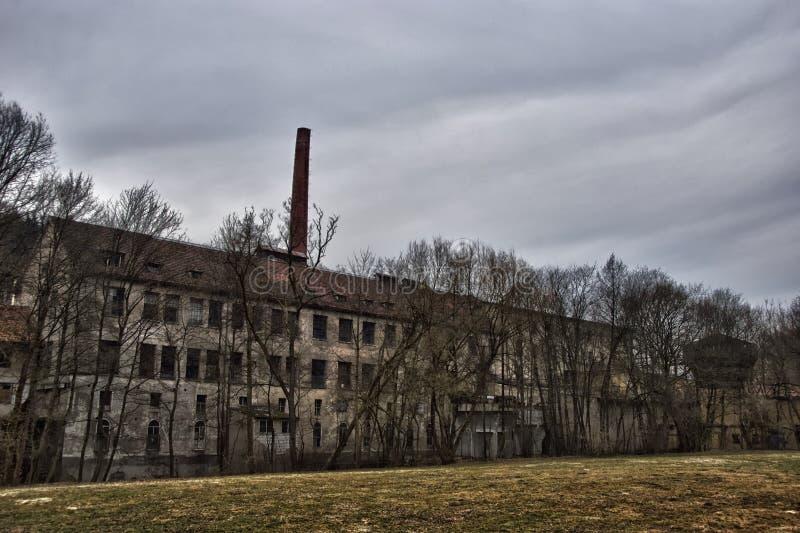 Fábrica abandonada velha imagens de stock royalty free