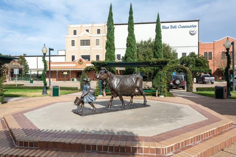 Fábrica azul das indústrias do leite de Bell em Brenham, TX fotografia de stock
