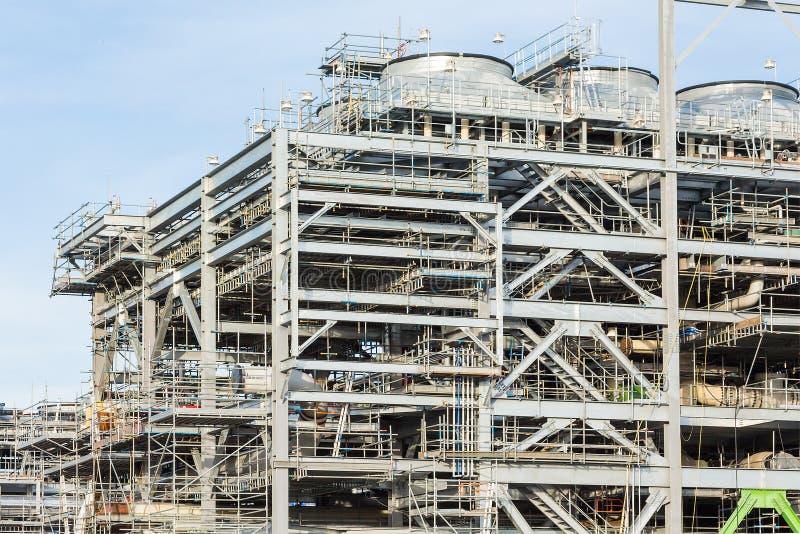 Fábrica da refinaria com GNL foto de stock royalty free