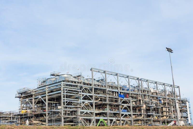Fábrica da refinaria de GNL foto de stock
