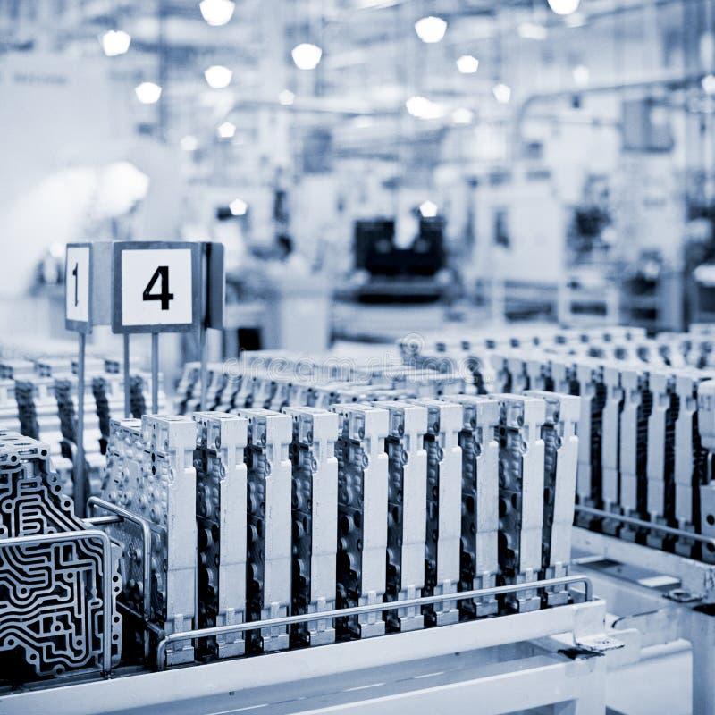 Fábrica das transmissões foto de stock