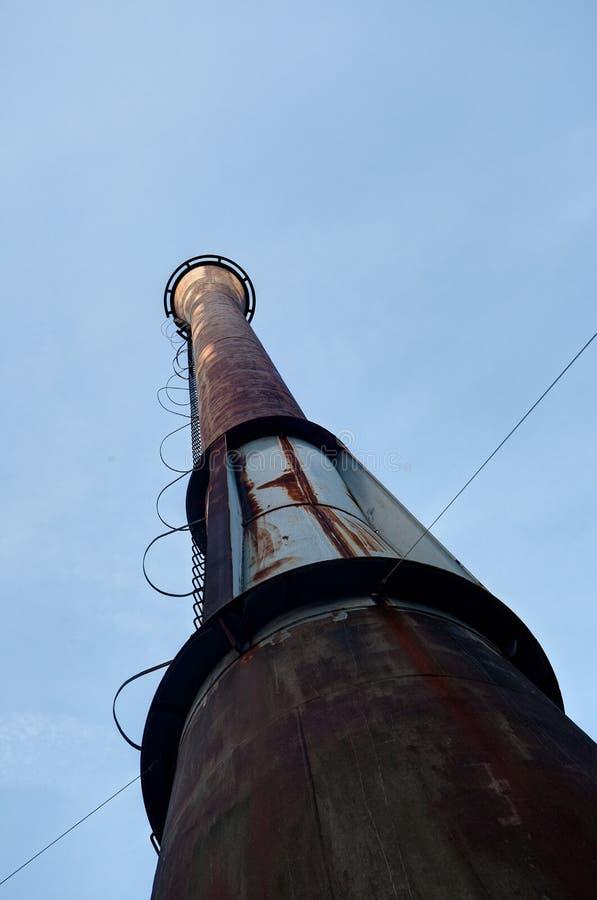 Fábrica de acero Landschaftspark, Duisburgo, Alemania del horno del hierro industrial de la chimenea imagen de archivo libre de regalías