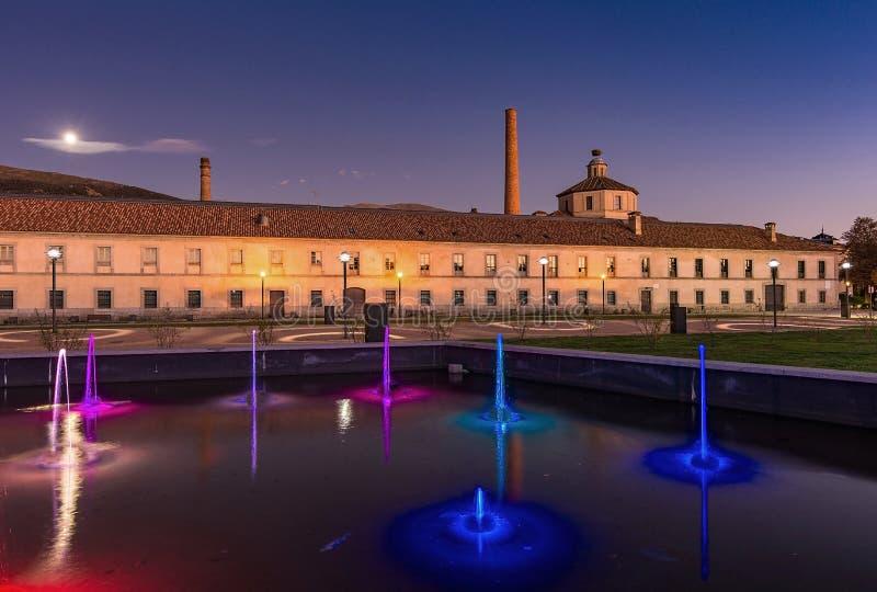 Fábrica de cristal real del La Granja de San Ildefonso en el Castile y León, España de Segovia Fachada exterior fotos de archivo libres de regalías