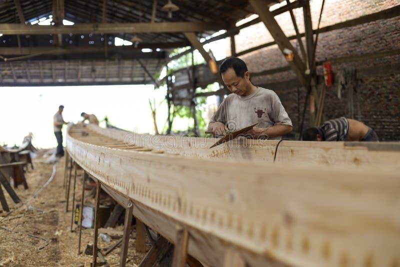 Fábrica de Dragon Boat em Guangzhou imagens de stock royalty free