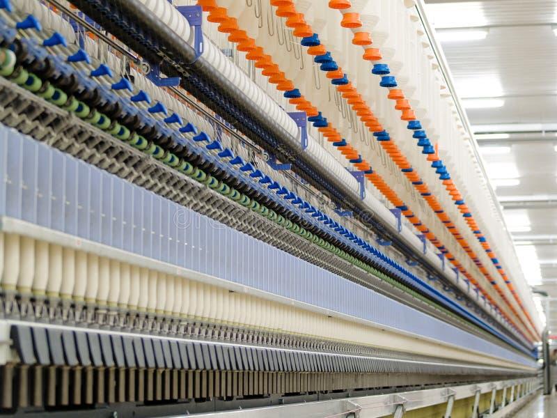 Fábrica de matéria têxtil fotos de stock royalty free