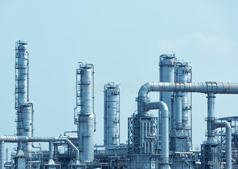 Fábrica de processamento do gás Paisagem imagem de stock royalty free
