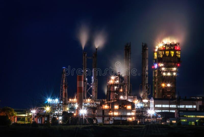 Fábrica de productos químicos fotos de archivo