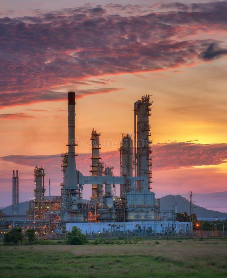 Fábrica del producto químico y del petróleo imagenes de archivo