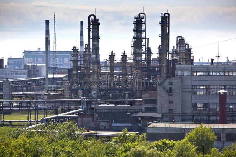 Fábrica do produto químico da refinação de petróleo fotos de stock royalty free